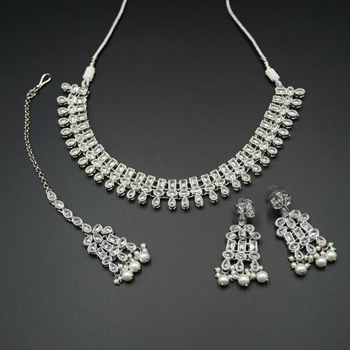 Mano White Polki Stone Necklace Set - Silver