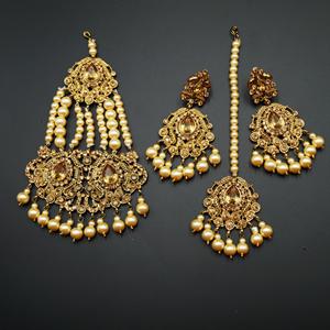 Guna - Gold Diamante Necklace Set - Gold