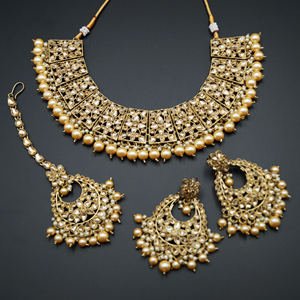 Maanvi Gold Diamante/Champagne Pearl Necklace Set - Antique Gold