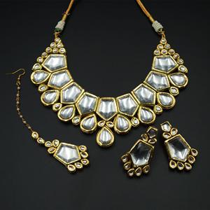 Faren White Kundan Necklace Set - Gold