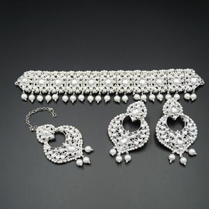 Bhuma White  Polki Choker Necklace Set - Silver