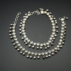 Inaaya-White Polki/ Ghungroo Payals - Silver