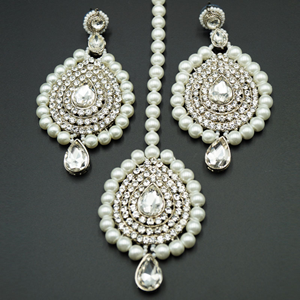 Lira White Diamante and Pearl Choker Necklace Set - Silver