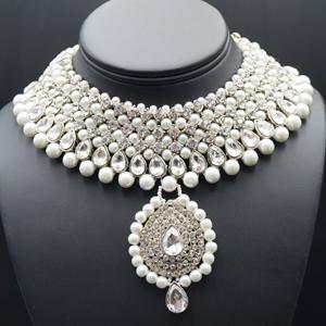 Rayi White Diamante and Pearl Choker Necklace Set - Silver