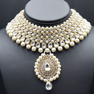 Rayi White Diamante and Pearl Choker Necklace Set - Gold