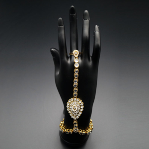 Kian Kundan Stone Hath Panjas - Gold