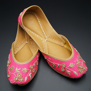 Dhani Bright Pink Colour Leather Jutti