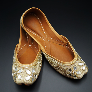 Rishi Gold Colour Leather Jutti