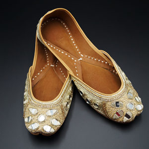 Juhi Gold Colour Leather Jutti