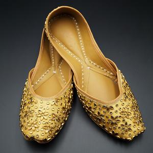 Naaj Gold Colour Leather Jutti