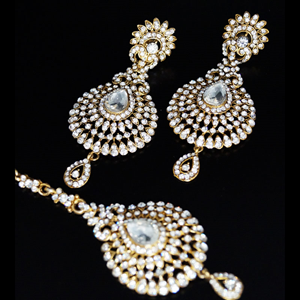 Tian White Diamante Earring and Tikka Set - Gold